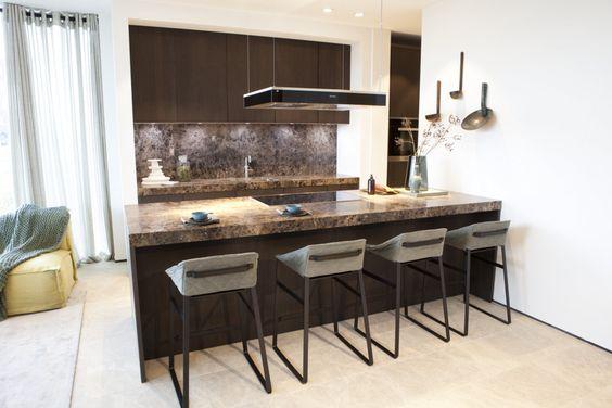 Moderne keuken ontworpen door studio piet boon voor stijlhuis showroom van wanrooij moderne - Mini keuken voor studio ...