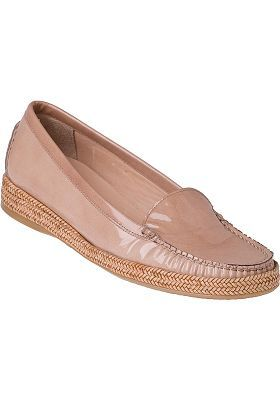 I LOVE the ' Geek Loafer'  It is stylish and comfortable.  A great casual spring/summer shoe.