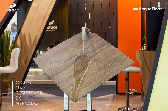 O clic mais resistente do mercado também tem a textura sincronizada com o desenho da madeira.  Confira - http://goo.gl/n46VtP  #Pertech #EasyClic #PisoVinilico #PertechPisos #EscolhaInteligente #VocêMerecePertech