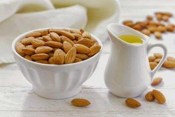 El aceite de almendras para estrías y celulitis, es especialmente bueno debido a sus propiedades ricas en minerales, vitaminas y proteínas. Siendo un hid..