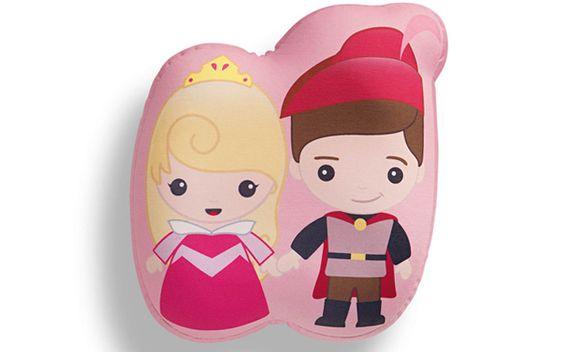 Riachuelo transforma Princesas da Disney em almofadas fofíssimas - Você - CAPRICHO