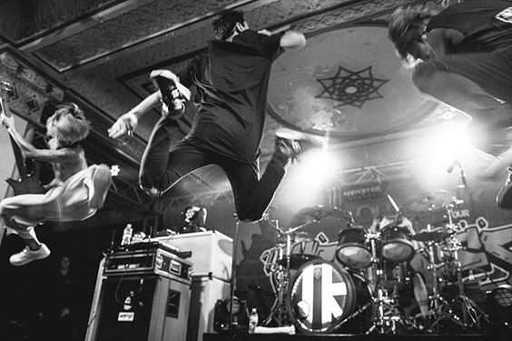 It's just like they are flying!!! 2016/4/2 Monster Energy Outbreak Tour Indianapolis, IN – Deluxe at Old National Centre @jeremydkeeney #oneokrock