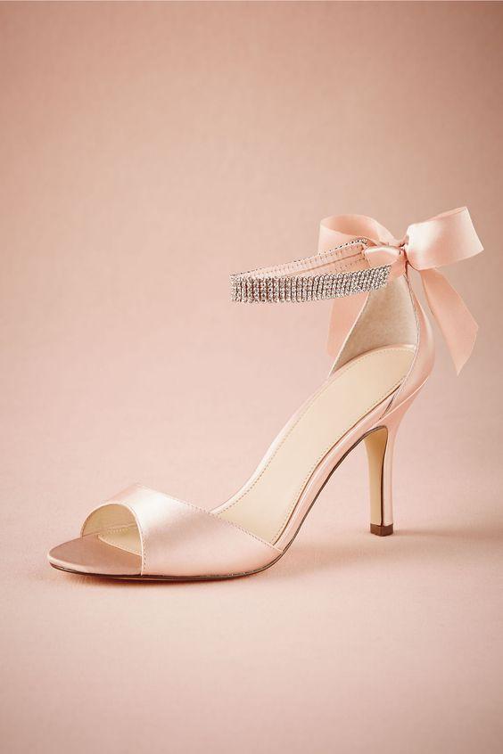 Tacones rosas. Pink high heels.