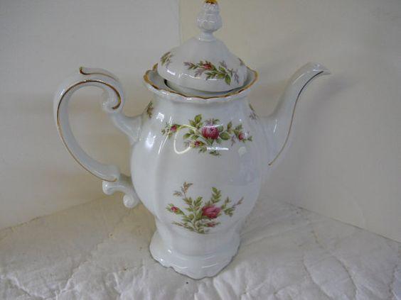Johann Haviland Bavaria Tea Pot Floral by avedissianjeweler, $78.00