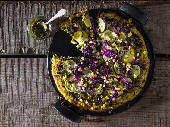 Blumenkohlpizza: 400 g Blumenkohl 60 g Parmesan, gerieben 1 Teelöffel Salz 1 Ei