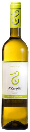 White wine: Pato Frio Antão Vaz, Alentejo region, Portugal.