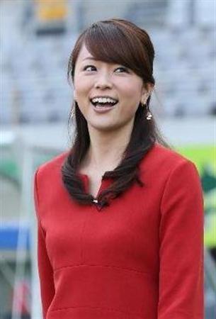 本田朋子赤いワンピースで笑顔の可愛い画像
