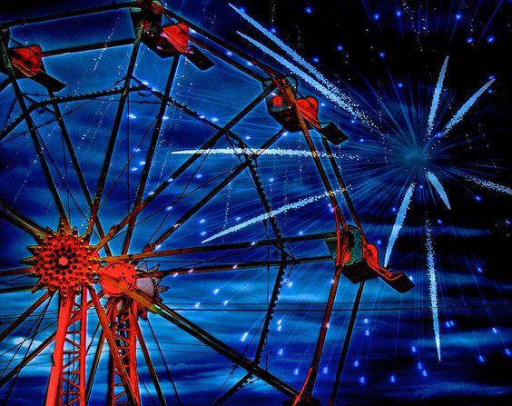 HAPPY 4TH OF JULY!, via Flickr. | #jeweltones #ferriswheel #fireworks #blue #red