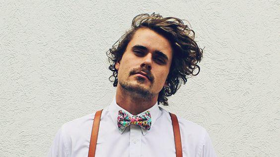 Men's Bow Tie Fashion #bowtie #fergusandthecat #bowtiesarecool #handmadebowties #bowtieinspiration