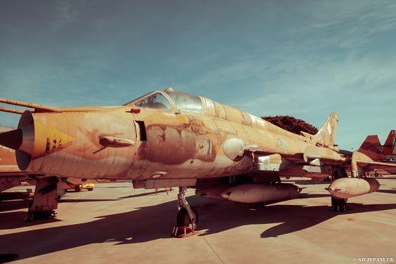 Sukhoi Su-22M4 25-18 at Museo del Aire, Madrid