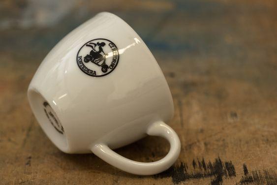 Tazzina da caffè in porcellana personalizzata in tampografica ad un colore.