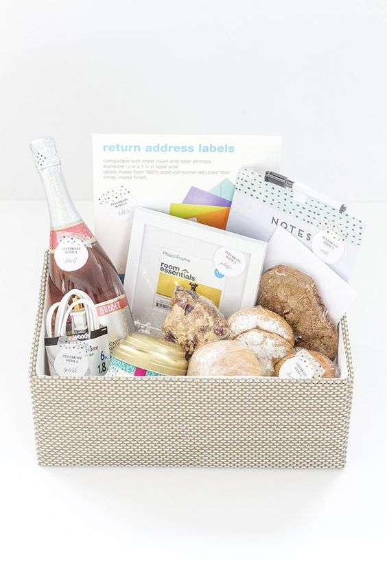 How To Create A Traditional Housewarming Gift Basket