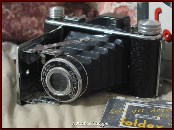 FOLDEX 20 Folding Camera by Pho Tak Co in Box With Original Film In It  IMG 3840 http://ajunkeeshoppe.blogspot.com/