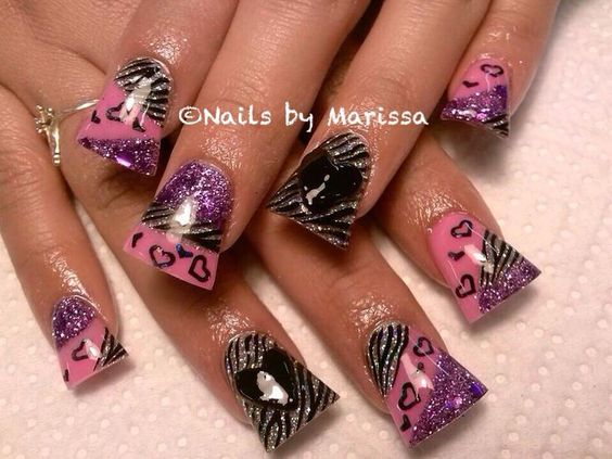 COOL nail art on duck feet nails | flare tip nails | wide fan nails | animal print | unas | ongles