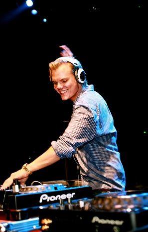 Avicii @Hannah Teague DJ Festival 2011  #Avicii #WDF #worlddjfestival