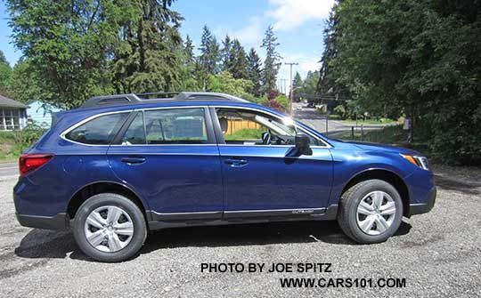 2016 Outback 2 5i Lapis Blue Color Notice The 2 5i Model Has Black Steel Wheels With Wheel Covers And Does Not Have Dark Subaru Outback Outback 2016 Outback