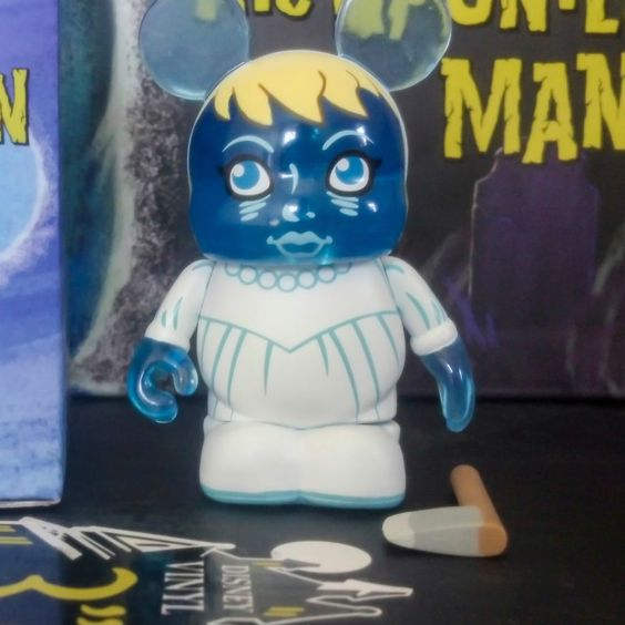 """Disney Haunted Mansion 3"""" Vinylmation The Bride w/ Ax signed by Casey Jones"""