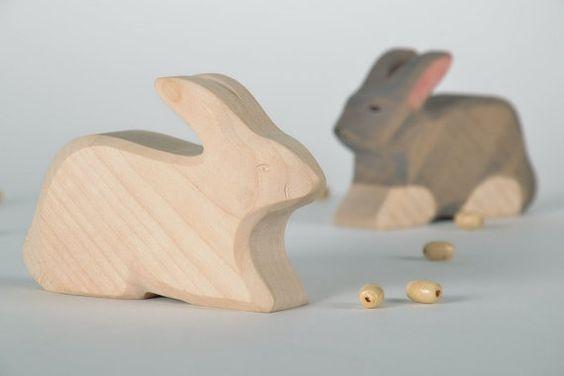 Hübsch Ahorn-Figur Hase von EcoFriendlyWoodenToy auf Etsy