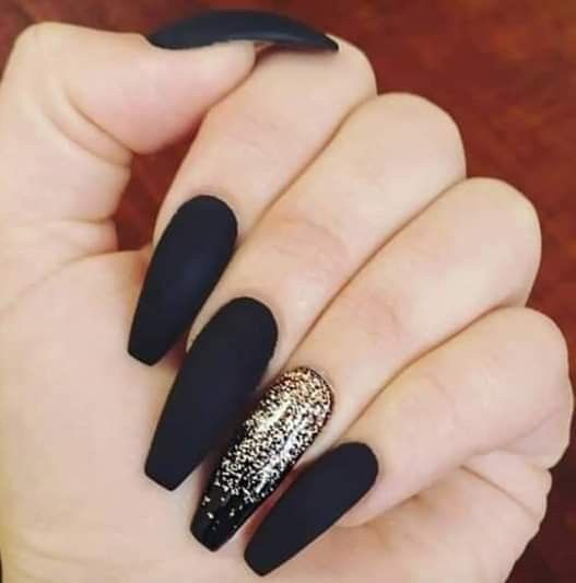 Matte Black Coffin Nails With Gold Design Black Gold Nails Gold Nails Matte Black Nails