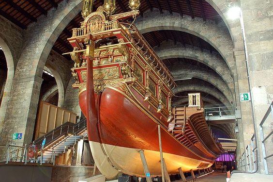 Popa de la galera La Real en el Museo Marítimo de Barcelona, sito en las antiguas atarazanas.
