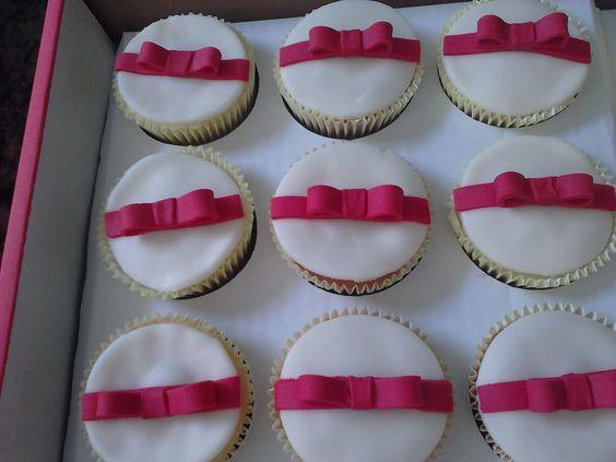 Cupcakes de lacinhos, da Bia Ferreira