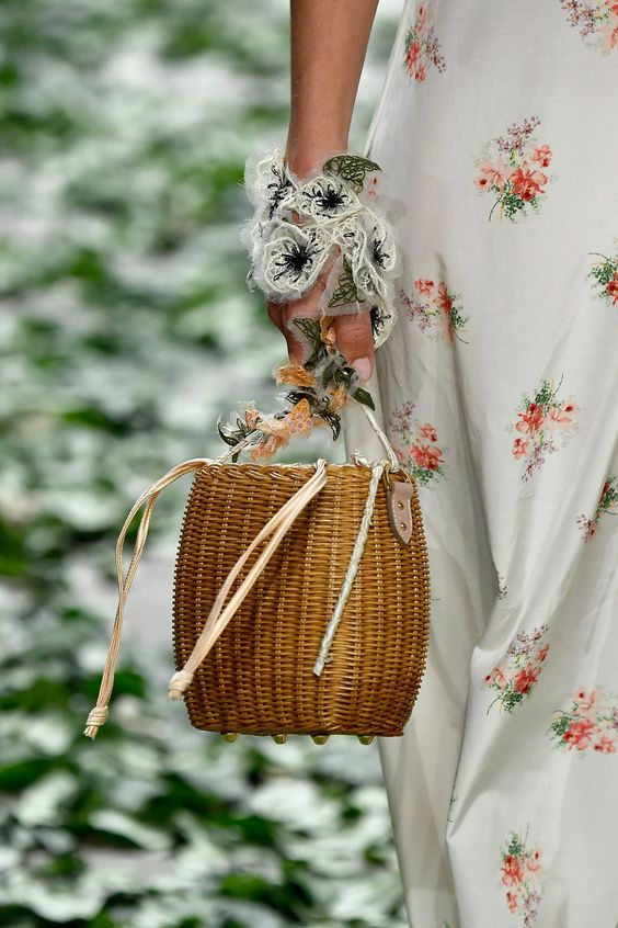 Spring 2018 Bag Trends - All The Bags We Love From Spring 2018