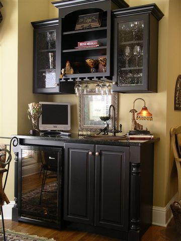 Another hutch idea with cabinets this one with a wet bar for Kitchen corner bar ideas