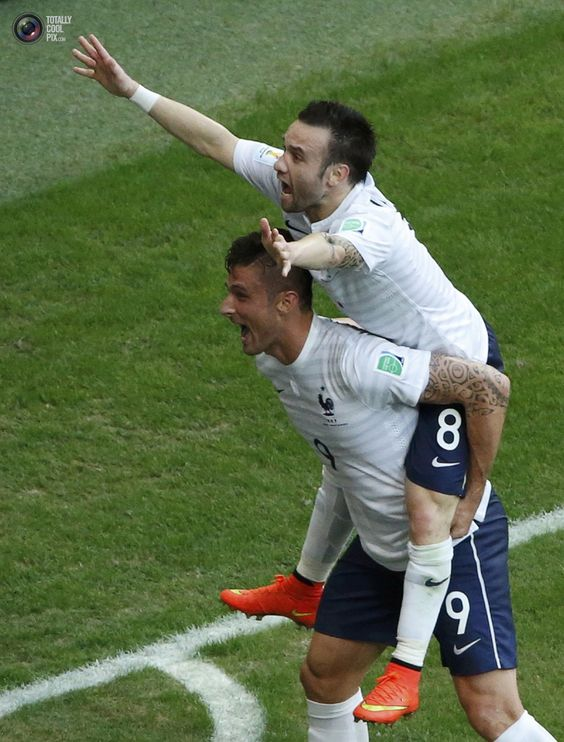 WORLD CUP 2014: SECOND ROUND OF GAMES HIGHLIGHTS - France's Olivier Giroud celebrates Valbuena's goal during World Cup Group E soccer match between Switzerland and France at the Fonte Nova arena . FABRIZIO BENSCH/REUTERS