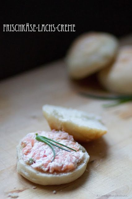 Recipe here: http://allessokunterbunt.blogspot.de/2013/03/frischkase-lachs-creme-auf-frischen_9.html