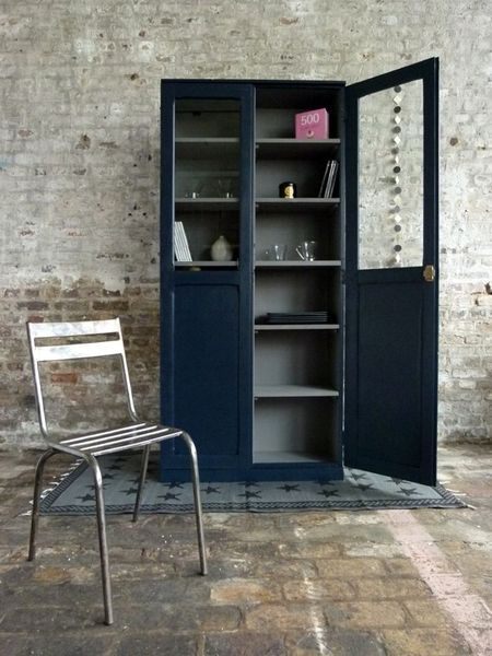 joli vaisselier bleu asphalte l 39 ext rieur et gris galet l 39 int rieur make it pinterest. Black Bedroom Furniture Sets. Home Design Ideas