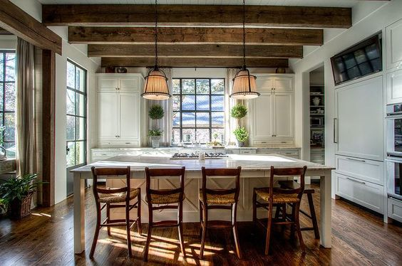 Country kitchen island with rush seat counter stools for Country kitchen islands with seating