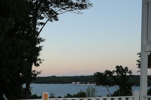 Book Country House Resort In Sister Bay Hotels Com In 2020 Door County Hotels Door County Wisconsin Door County