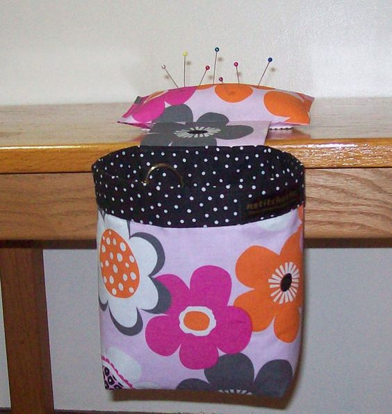 NEW  Thread Catcher Scrap Caddy Scrap Bag Pin by nstitches4u, $21.50