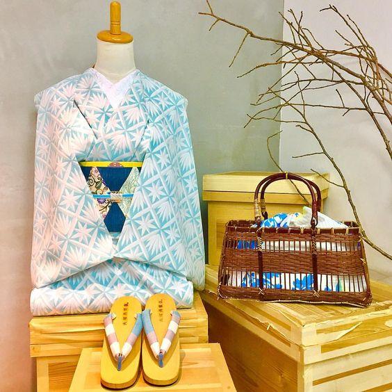 「雪の結晶のような」 #大塚呉服店 #otsukagofukuten #神戸 #三宮 #kobe #浴衣 #yukata #柄 #切子#涼しげ #水色 #爽やか #下駄 #かごバッグ #オリジナル #original #カラフル #colorful #夏 #summer #お洒落 #ファッション #fashion #japan #instagood #ootd
