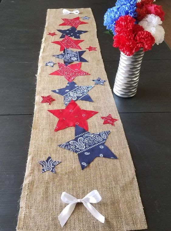 Your party guests will fall in love with this 4th of July table runner. This easy and cheap DIY 4th of July party decoration will help you create a beautiful table display for your 4th of July party.