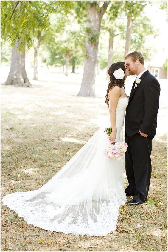 Flowy wedding dress, love the dress
