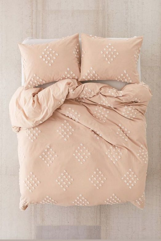 30 Dorm Room Essentials That College Students Will Actually Use Bed Linens Luxury Duvet Covers Urban Outfitters Duvet Covers