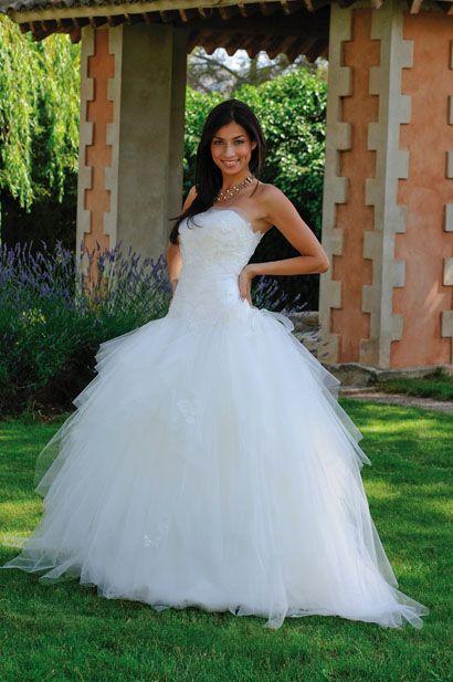 si un jour je me marie je r ve de pouvoir m 39 offrir une robe aussi belle que celle l une robe. Black Bedroom Furniture Sets. Home Design Ideas
