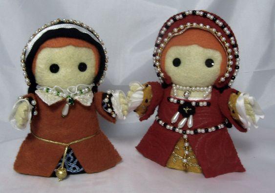 Mary I Elizabeth I by deridolls.deviantart.com