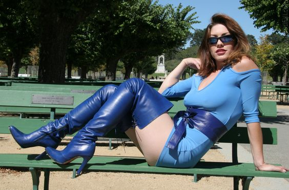 All in blue - High Boots and Pokies