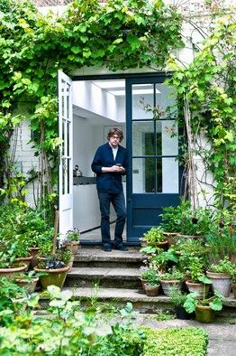 Could I have his kitchen/garden? Or maybe just be Nigel Slater's friend and get invited over for dinner?i would love to stand in nigels kitchen chatting,relaxing and drinking wine whilst he cooks. helping chop the odd vegetable and tasting as he goes. that to me would be a perfect evening