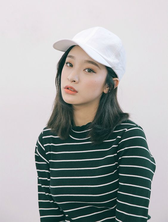 A girl short hair on pinterest ulzzang bob hairs and korean fashion Outfits for short hair pinterest