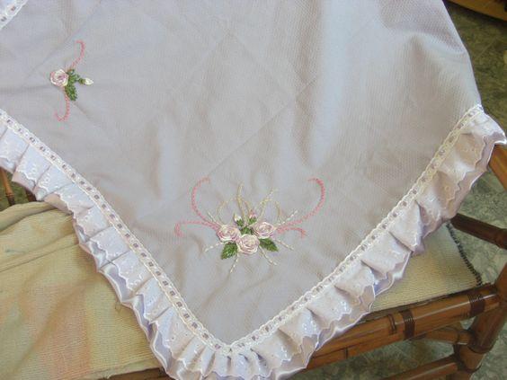 manta de bebe bordada com fita