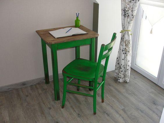 table ou bureau dappoint couleur vert Antibes D Tables and Bureaus