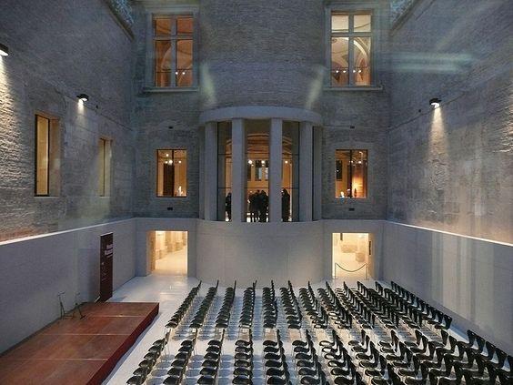Inside Neues Museum / (reconstruction)  Architect/Designer: David Chipperfield