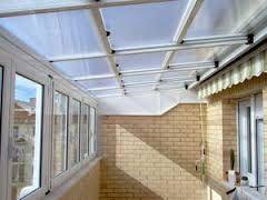 Resultado de imagen de placas  de policarbonato para cubrir patio de luz