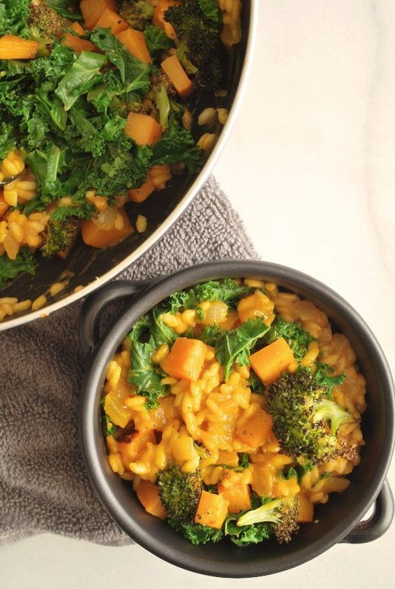 Easy Fall Vegetable Risotto: A creamy, comforting gluten free and vegetarian dish that can be served as an entree or as a side! It's the perfect addition to your Thanksgiving day dinner! (vegan option included)    http://fooduzzi.com recipes