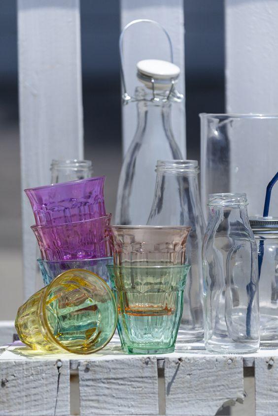 Llena la mesa de colores vasos de cristal en varios - Muy mucho catalogo pdf ...