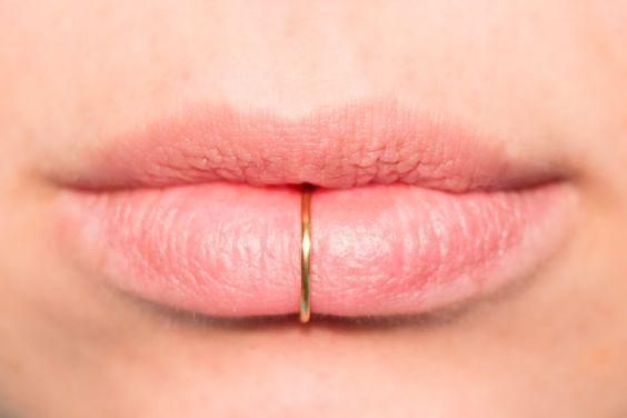 Faux anneau de lèvre en argent ou or 14k rempli 18 par CurlyCuffs