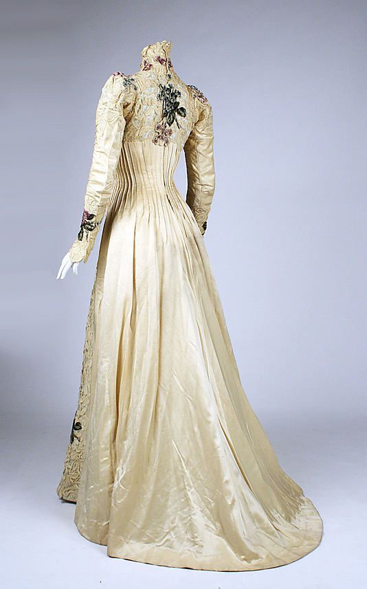 Dress, circa 1900, NYC via the Met Museum (back)--I know someone who could actually make this dress.